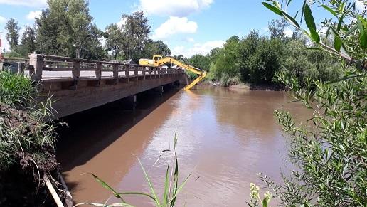 Vialidad Nacional finaliza tareas en el puente de la Ex-Ruta 9 sobre el Río Carcarañá.