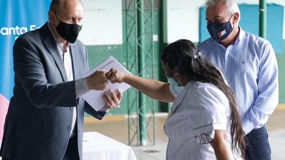 El gobierno provincial entregó 44 millones de pesos para mejoras edilicias en escuelas.