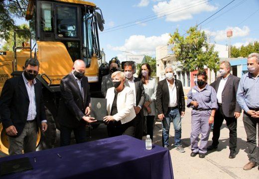 Clerici firmó un convenio  para una nueva inversión en gestión de residuos sólidos urbanos.