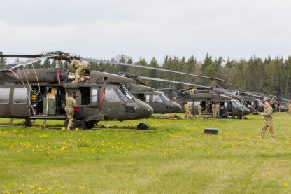 Many #10thCAB aircraft arrived at a field exercise site in prep for #SaberJunction, a multi-national #NATO training exercise.