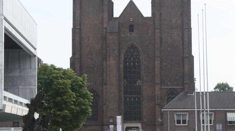 Walburgiskerk, St. Walburgisplein 1: Ontwerpbeschikking verleend