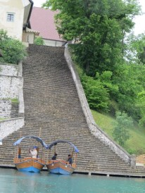 The 99 steps from the boat