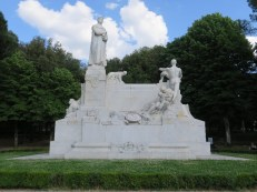 This monument is full of beautiful sculptures