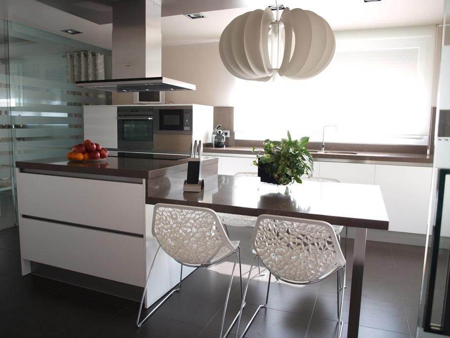Cocina moderna con isla  Arnit