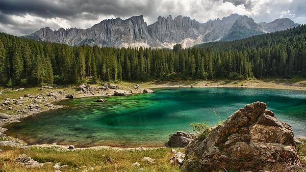 Karersee mit Latemar - Dolomiten, Südtirol, Italien