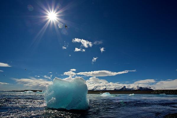 isberg am Jökulsárlón Strand - Island  Iceberg at Jökulsárlón Beach - Iceland