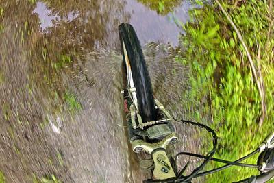 Mit dem Fahrrad durch das Hochwasser