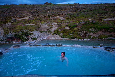 Heißes Mitternachtsbad im Naturbad Hveravellir, Island