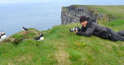 Beim fotografieren der Papageitaucher, Látrabjarg, Westfjorde - Island