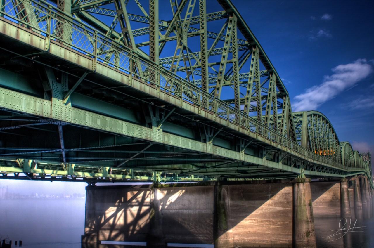 2010-01-27 - Columbia River Bridge-IMG_5573_2_1_tonemapped