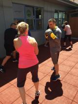 <h5>Tägliches Boxfit Training JETZT AUCH OUTDOOR</h5><p>Mo, Mi & Fr: 12:00 - 13:00 Uhr, Di & Do: 18:30 - 19:45 Uhr, Fr. 18:00 - 19:15 Uhr, Sa: 10:00 - 11:00 Uhr</p>