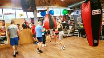 <h5>Voller Einsatz in der Mittagspause</h5><p>Am Montag, Mittwoch und Freitag könnt Ihr im Arnold BoxFit auch über den Mittag trainieren. Wir freuen uns auf Euch. </p>