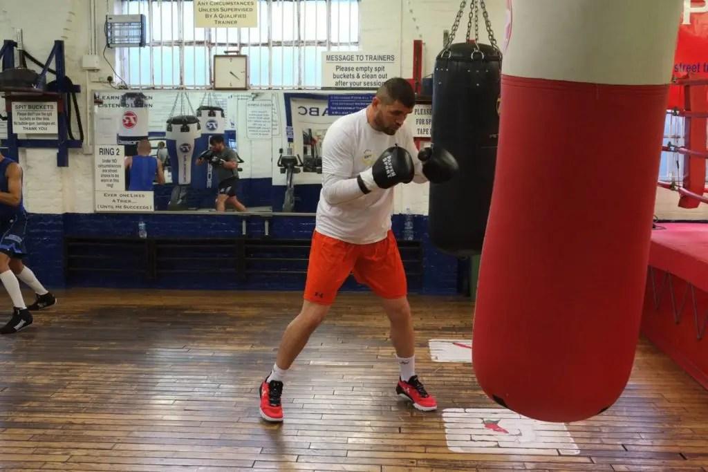 ‹The Cobra› trainiert in London für seinen Kampf vom Samstag.