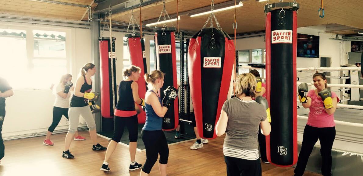 Damen Training bei Arnold Boxfit Pratteln