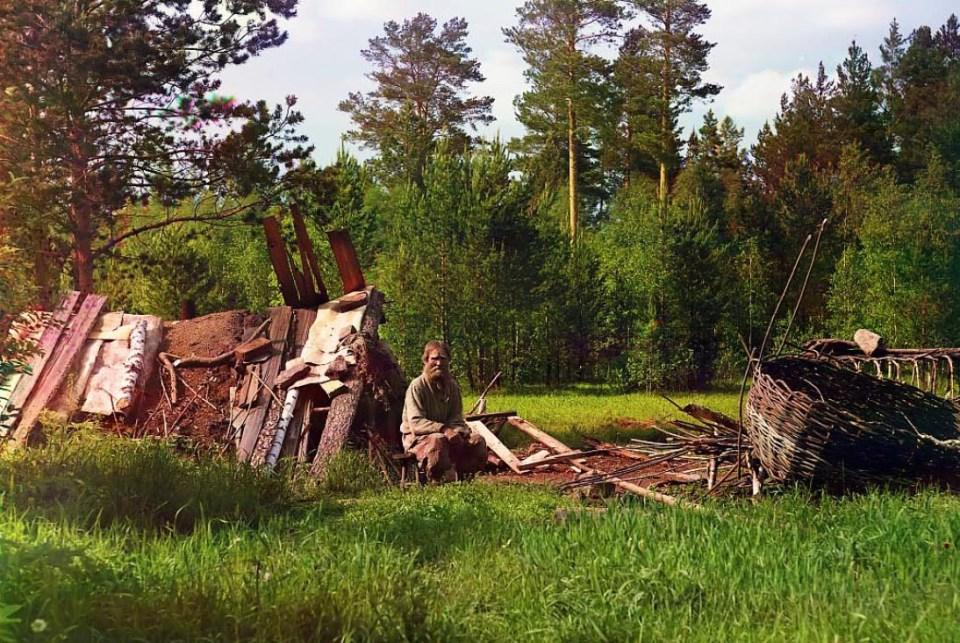 Chata osadnika gdzieś na zachodniej Syberii