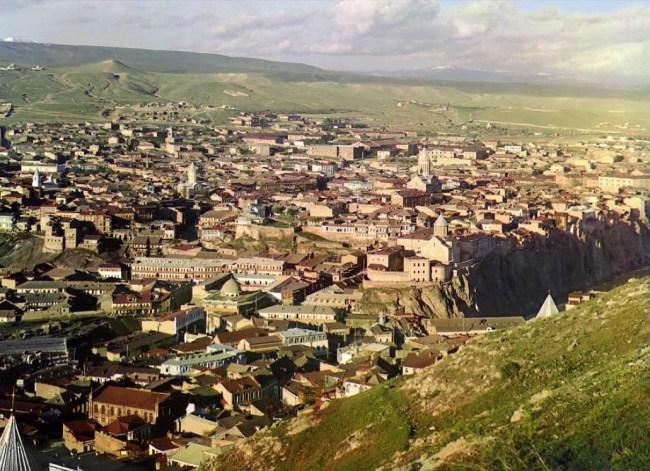 Tyflis (obecnie Tbilisi, stolica Gruzji. Widok z tarasu kościoła św. Dawida.