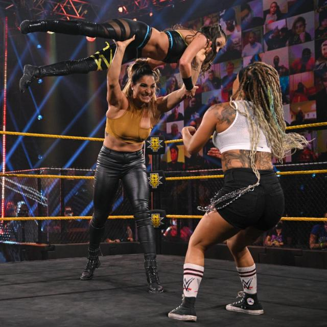 Raquel Gonzalez throws Kacy Catanzaro at Kayden Carter