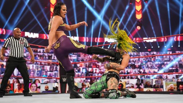 Shayna Baszler kicks Ruby Riott in the chest