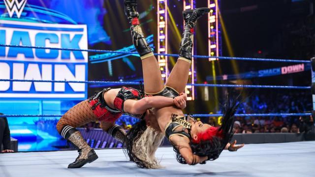 Toni Storm debuts against Zelina Vega