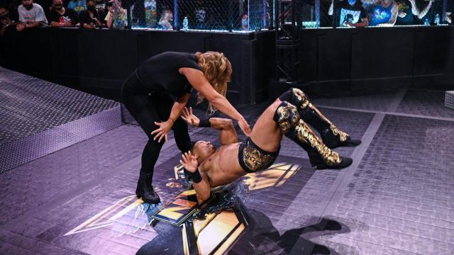 Elektra Lopez slams Carmelo Hayes