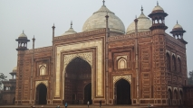 Moskee bij de Taj Mahal