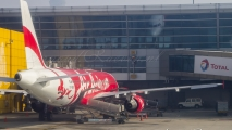 Air Asia Airbus A320 (VT-BLR) Delhi Airport