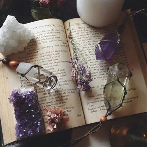 Gemas y piedras para rituales. Cuál debes utilizar