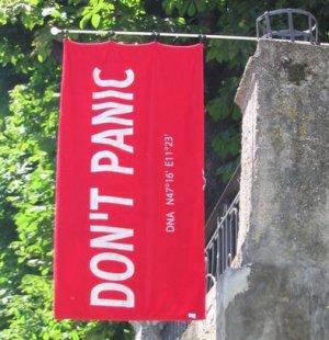 El día de la Toalla - Don't Panic