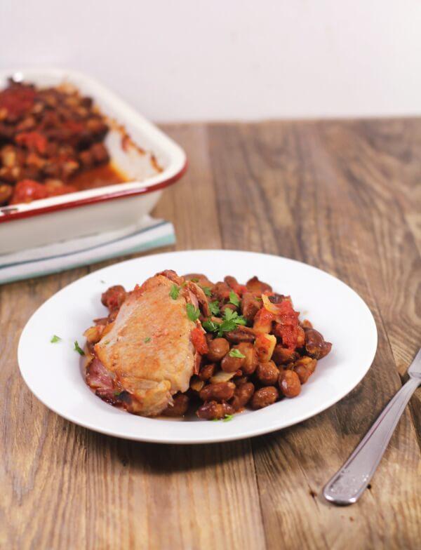 Jednoduchý recept na vepřové s rajčaty a fazolemi - jednoduchý luštěninový recept
