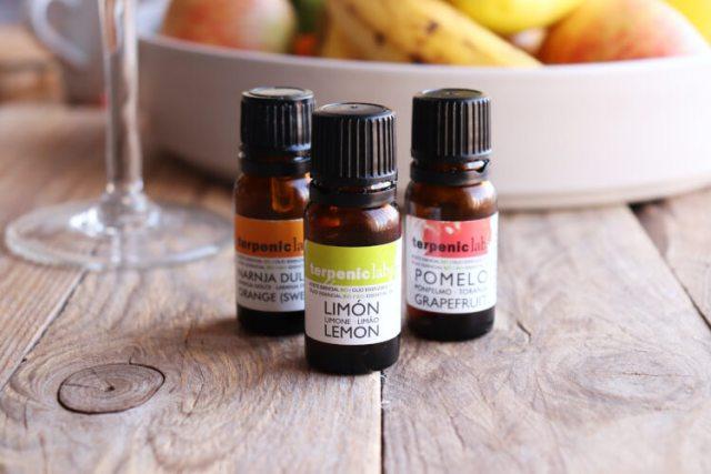 Esenciální oleje pro použití do jídla k aromatizaci a ochucení