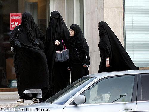 sau01d_saudi-women-driving__500