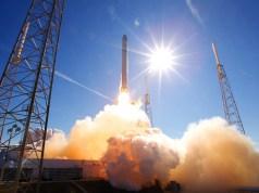 SpaceX vous permettra désormais de réserver un lancement de fusée en ligne à partir de 1 million de dollars