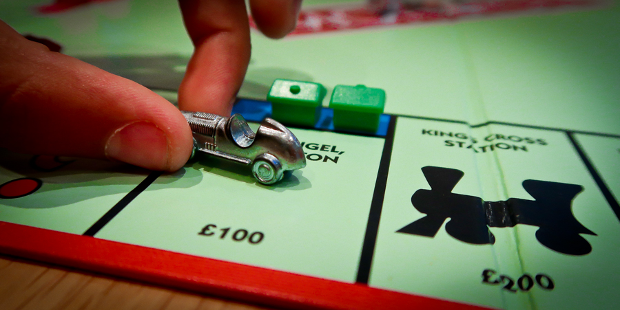 Monopoly Mad - Shalini moves her car token