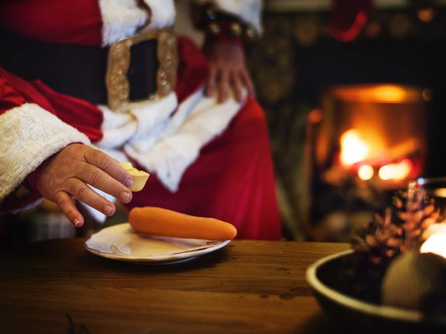 Dear Santa - Santa And A Carrot