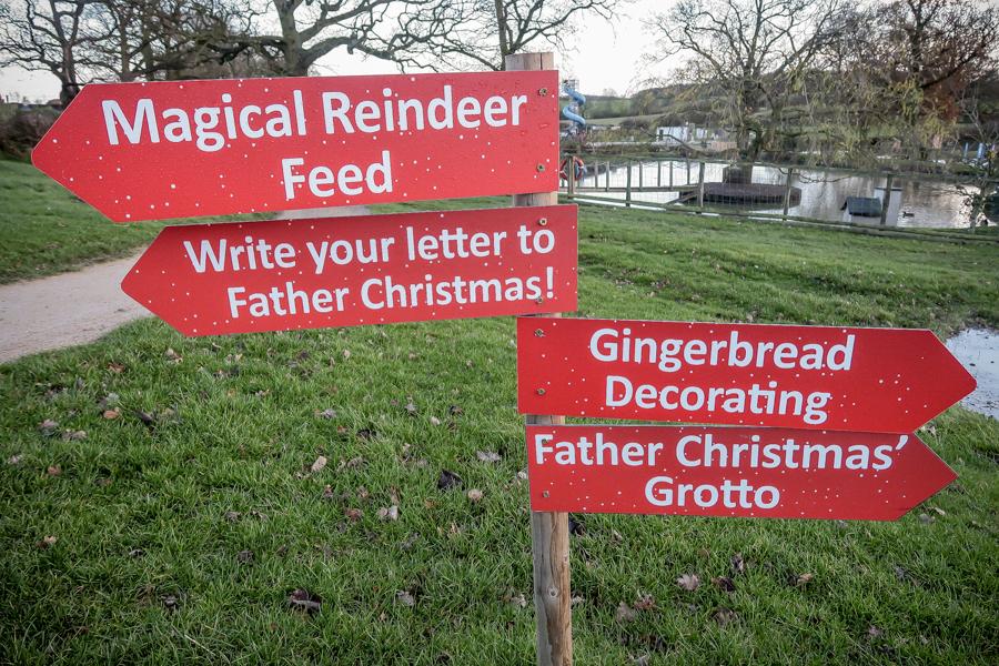Visiting Santa At Hatton - Signs