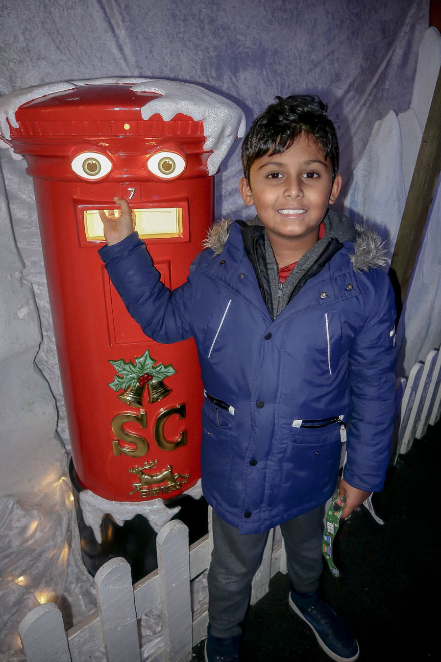 Visiting Santa At Hatton - Posting A Letter To Santa
