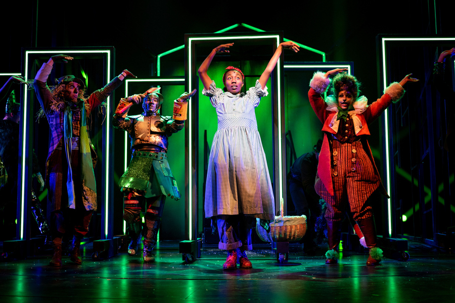 We're Off To See The Wizard - Dorothy and friends