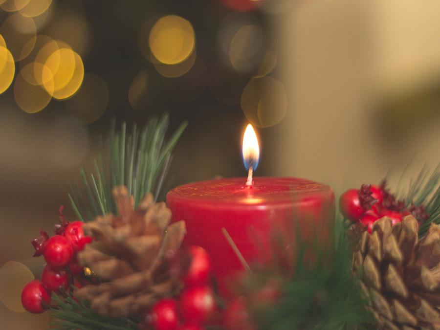 10 Things I Love About Christmas - Candles