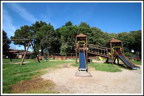 parco-giochi-nel-pratone1