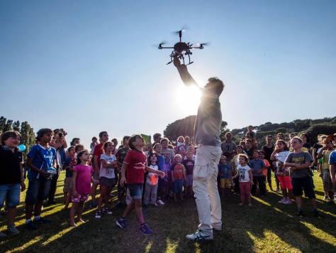 Scienza per bambini Isola di Einstein. Come funzionano i droni