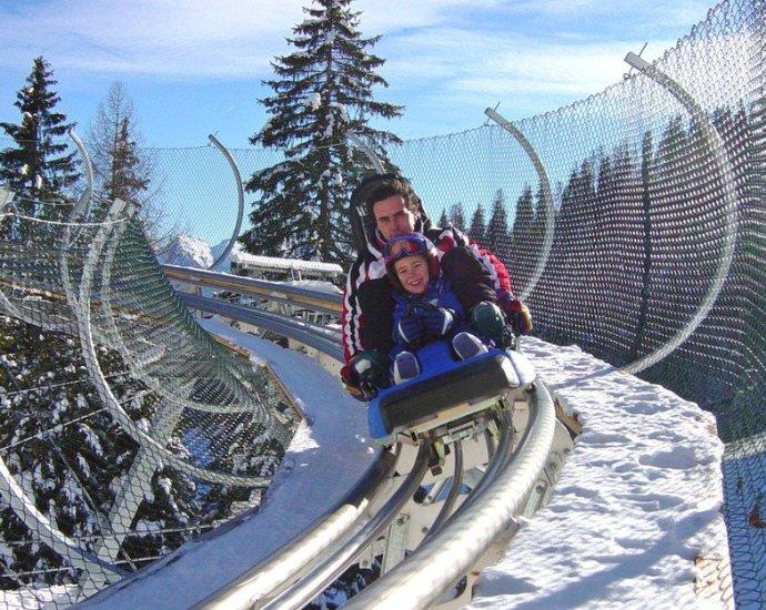 Settimana bianca family a Predazzo, Val di Fiemme, Dolomiti, Trentino Alto Adige. Divertimenti: l'alpine coaster.