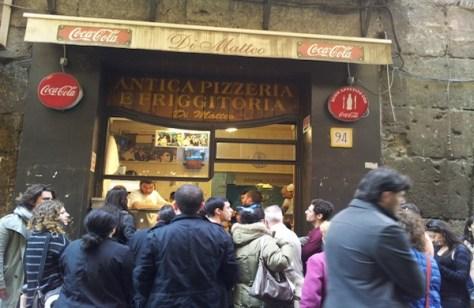 Pizzeria-Di-Matteo-Napoli-600x390-600x390