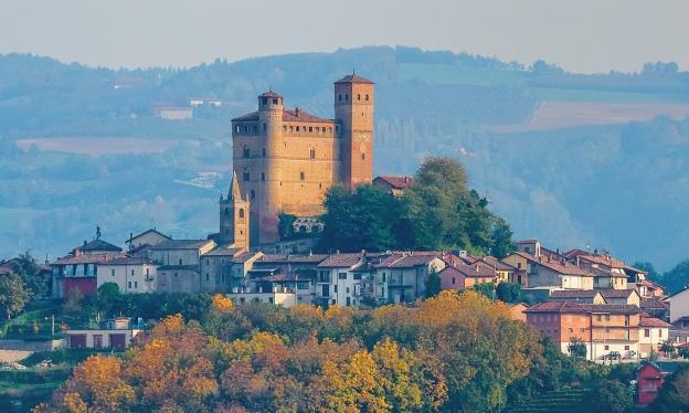 Castelli da visitare con i bambini Castello di Serralunga d'Alba