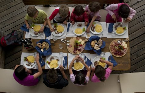 vacanze bambini trentino val-di-fiemme-estate-picnic