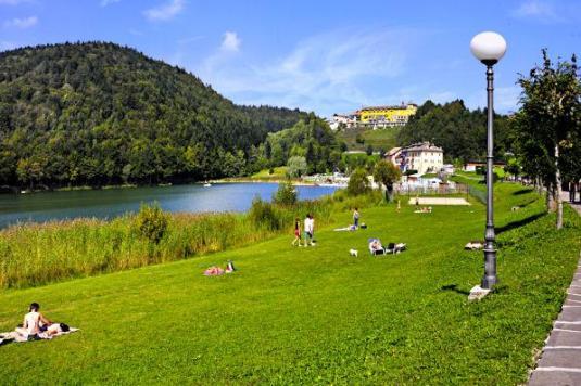 Lago -Hotel Vittoria Folgaria