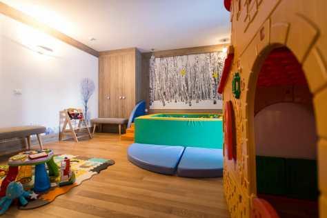 family hotel montagna piemonte mirtillo rosso baby club 1-3 anni