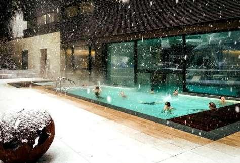 family hotel montagna piemonte mirtillo rosso piscina-estate-inverno-allhotel-mirtillo-rosso