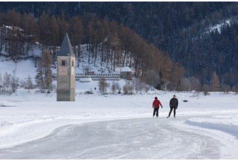 lago_di_resia_pattinare_ghiaccio