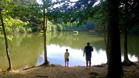 vacanze gargano puglia bambini  laghetto nella Foresta Umbra