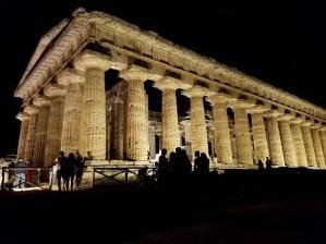cilento-Parco Archeologico di Paestum-notte